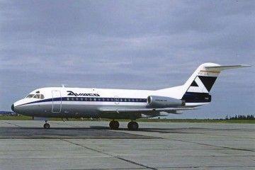 Avión demostrado Fokker F-28 pintado con la librea de AVIACO