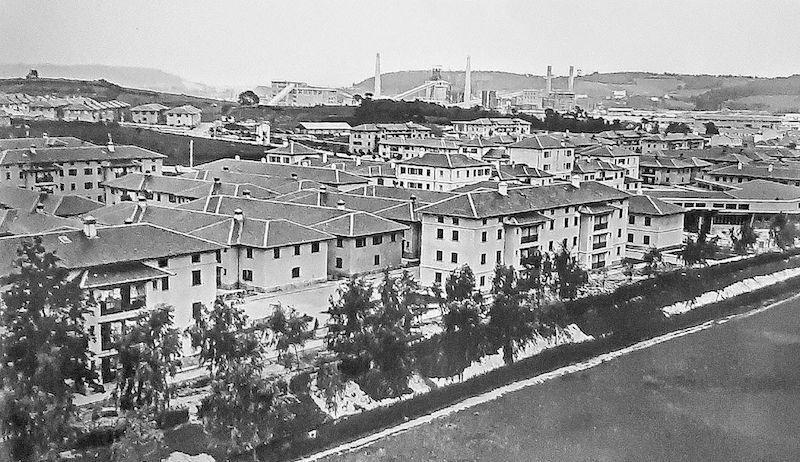 Panorámica del poblado de Llaranes
