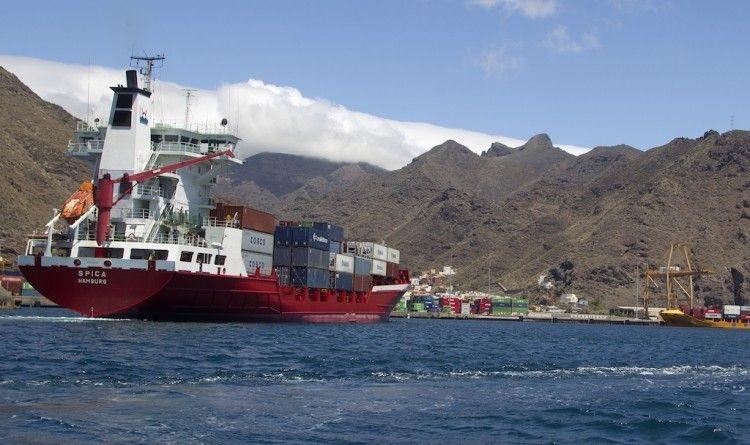 Puertos de Tenerife pide preferencia en la vacunación para los colectivos de primera línea