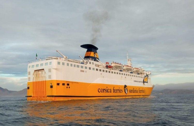 """El buque """"Corsica Marina Seconda"""" arriba al puerto de Cartagena"""