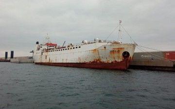 """El buque establo """"Karim Allah"""", atracado en Cartagena"""