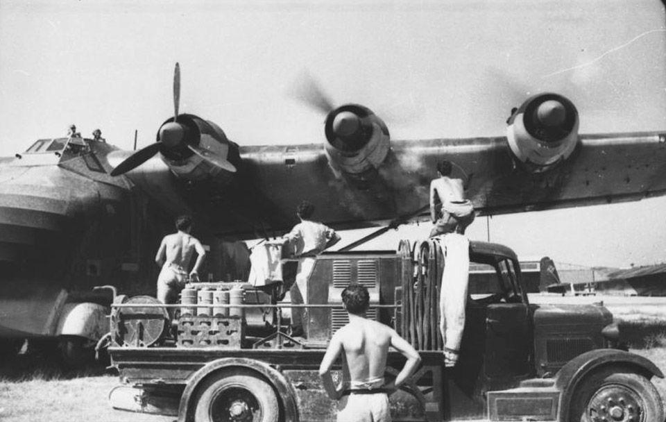 Vista de los tres motores del plano izquierdo
