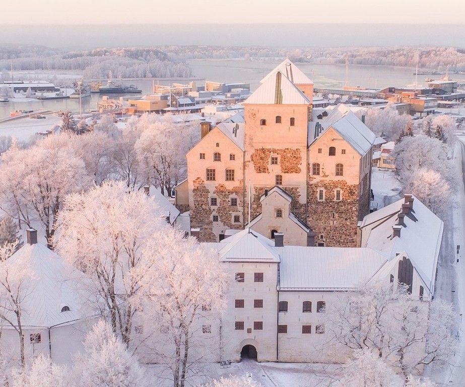 El castillo de Turku, envuelto en el paisaje invernal