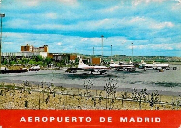 Aviones CV-440 y Caravaelle de Iberia, en el aeropuerto de Madrid