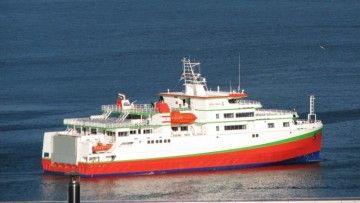 """El ferry """"Terevau Piti"""", en aguas de la ría de Vigo"""