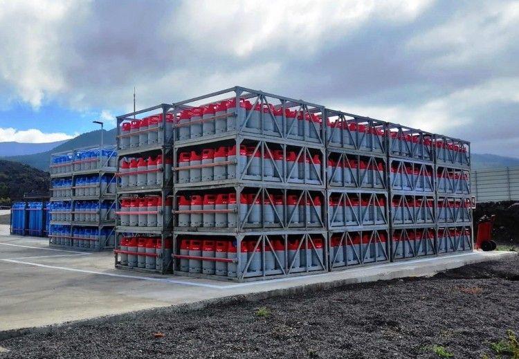 Vista parcial de la planta de almacenamiento de Cepsa en La Palma