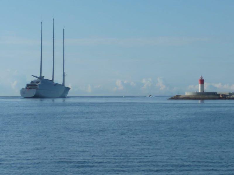 El llamativo buque ha visitado Cartagena en otras ocasiones
