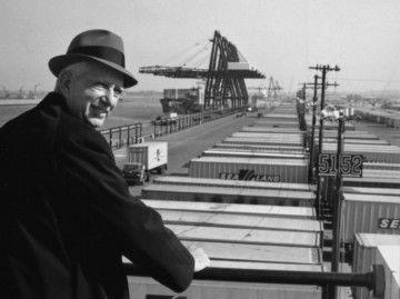 Malcolm McLean, creador del contenedor