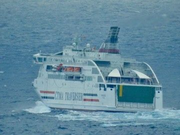 """El ferry """"Madeleine II"""", esta mañana, en aguas de Gran Canaria"""