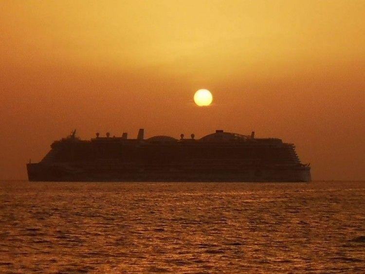 La vacuna trae un nuevo amanecer al mundo de los cruceros de turismo