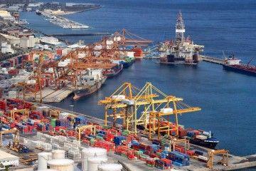 Panorámica de las terminales de Boluda y TCTenerife