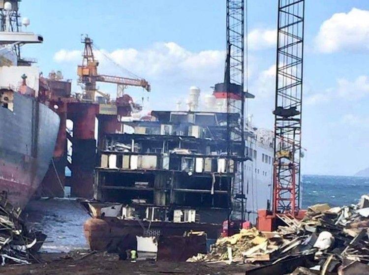 """Estado en el que se encuentra el desguace del ferry """"Vrosnkiy"""""""