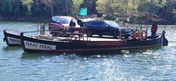 "El ""catamarán"" fluvial ""Monturiol-Isaac Peral"" del río Ebro"