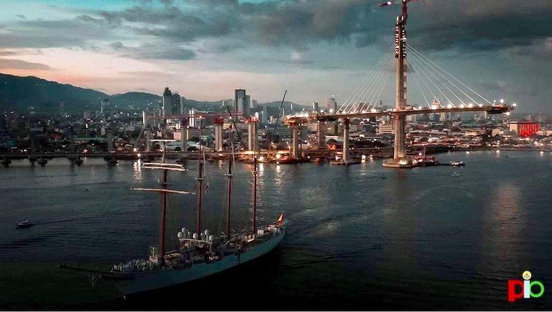 El buque-escuela español continúa su XI vuelta al mundo
