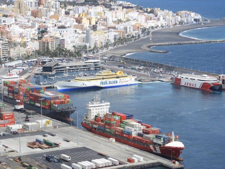 Panorámica del puerto de Santa Cruz de La Palma