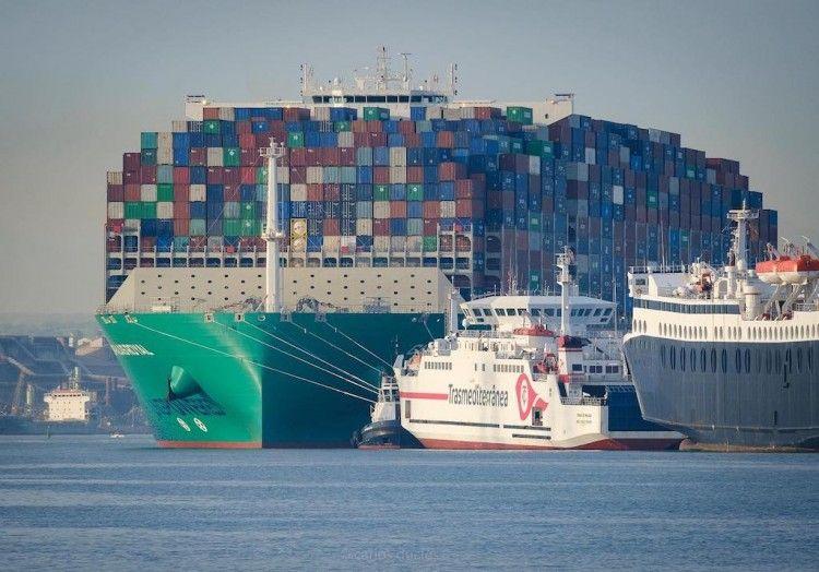 Le geoestrategia política está estrechamente relacionada con el transporte marítimo