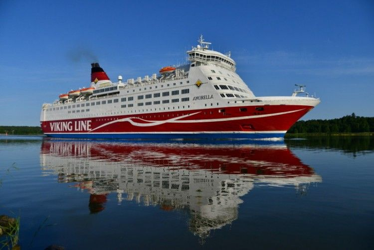 """El ferry finlandés """"Amorella"""" seguirá en Finlandia"""