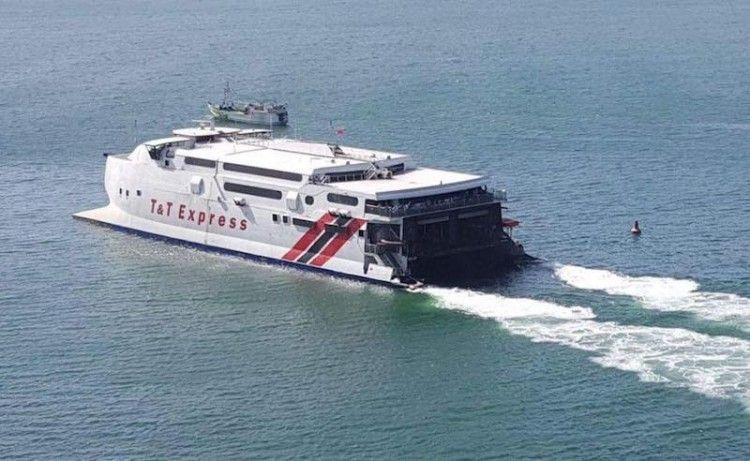 """El catamarán """"T&T Express"""", recientemente adquirido por Trasmapi"""
