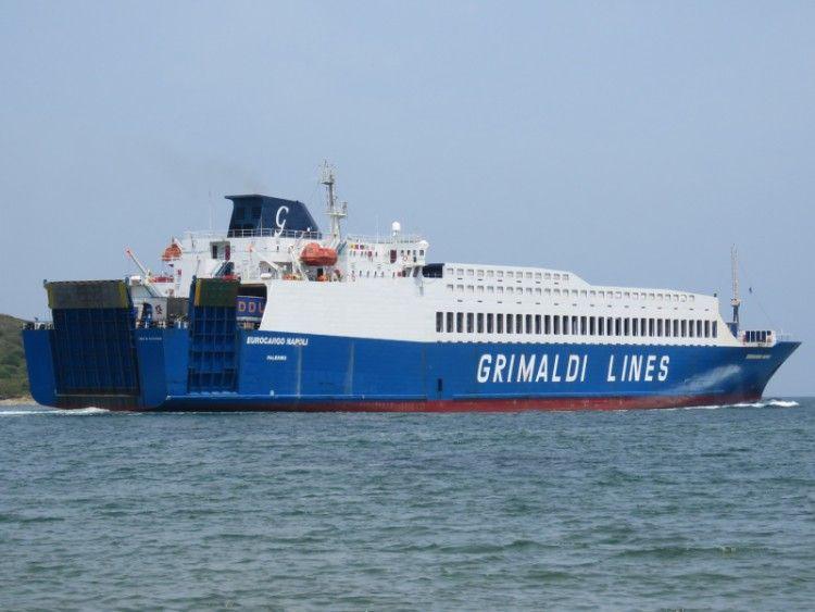"""El buque """"Eurocargo Nápoli"""" sigue en la flota de Grimaldi"""