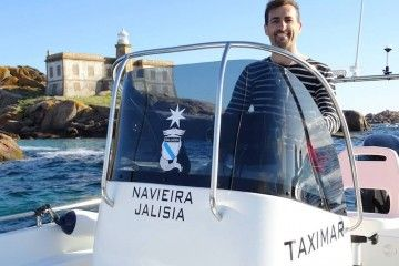 David Trillo Gallego, al mando de su Taximar Robinson da Lobeira