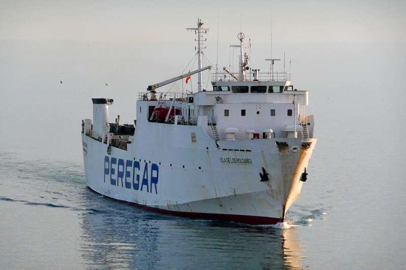 """El buque """"Isla de los Volcanes"""", a su llegada al puerto de Málaga"""