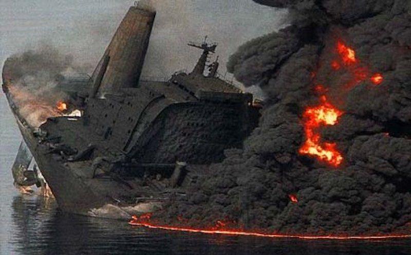 """Dramática escena del petrolero """"Haven"""""""