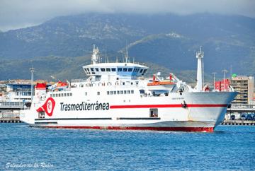 """El ferry """"Ciudad de Málaga"""", de Naviera Armas Trasmediterránea"""