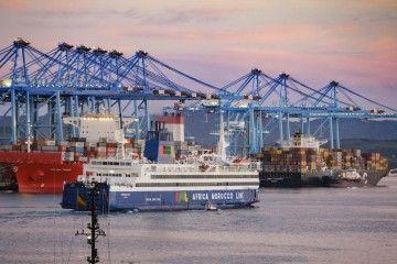 El transporte marítimo internacional esta sujeto a las relaciones políticas y comerciales entre países