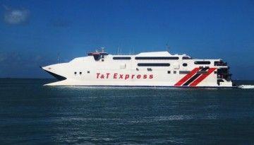 """El catamarán """"T&T Express"""", en sus buenos tiempos"""