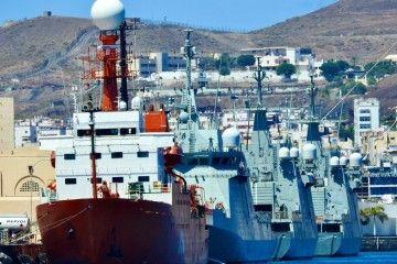 """El BIO """"Hespérides"""", atracado en el arsenal de Las Palmas de Gran Canaeria"""
