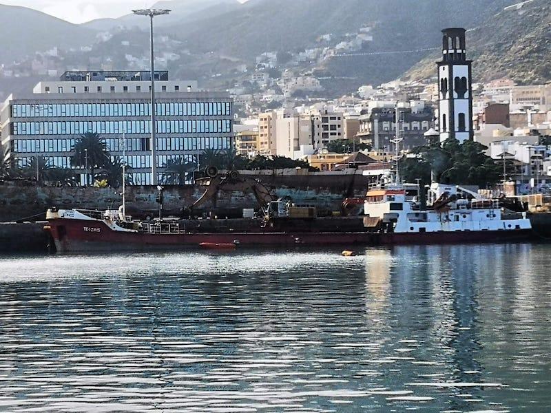 El buque pertenece a la matrícula naval de Santa Cruz de Tenerife