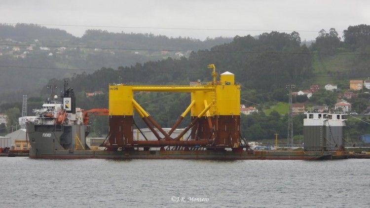 """La quinta y última plataforma del proyecto Kincardine, embarcada en el buque """"Fjord"""""""