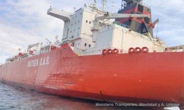 """Zona afectada en el casco de babor del metanero """"Bilbao Knutsen"""""""