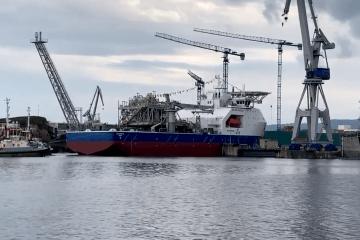 """El buque FPSO """"Blue Eagle"""", en su puesta a flote"""