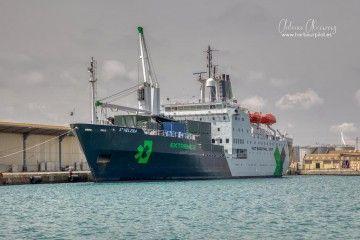 """El buque mixto """"St. Helena"""", durante su estancia en el puerto de Valencia"""