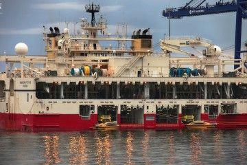 """Vista de popa con su espectacular manga, del buque """"Ramform Thethys"""""""