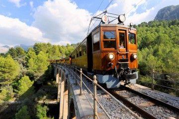 El Tren de Sóller es un tren histórico centenario