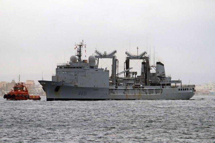 """El buque de aprovisionamiento francés """"Somme"""""""