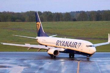 El avión B-737 de Ryanair, a su llegada al aeropuerto de Vilnius