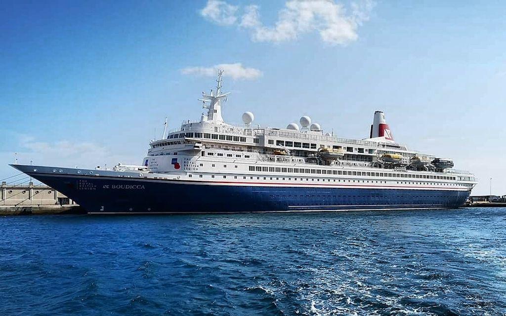 """El buque """"Boudicca"""", en una de sus escalas en el puerto de Santa Cruz de Tenerife"""