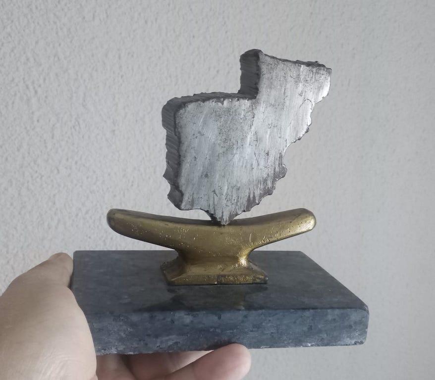 """Una de las reliquias procedentes del submarino """"Almirante García de los Reyes"""""""