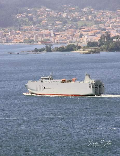 Maniobra del buque en la ría de Vigo tras su salida de dique