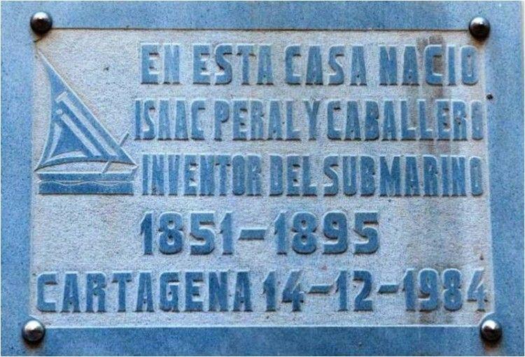 Placa conmemorativa de la casa donde nació Isaac Peral