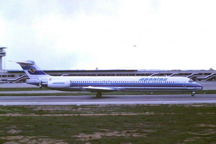 El primer MD-83 pintado con la librea de Spantax