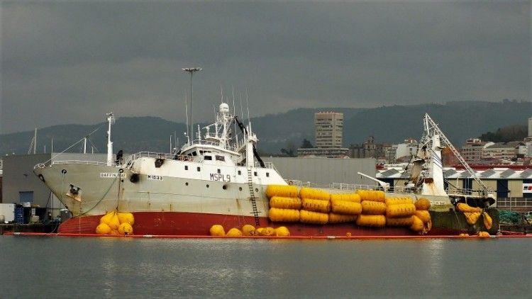 """El buque congelador """"Baffin Bay"""", tras su reflotamiento"""