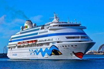"""El buque """"AIDACara"""", en una de sus escalas en el puerto de Santa Cruz de Tenerife"""