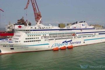 "Estampa marinera del cruise ferry ""Badji Mokthar III"""