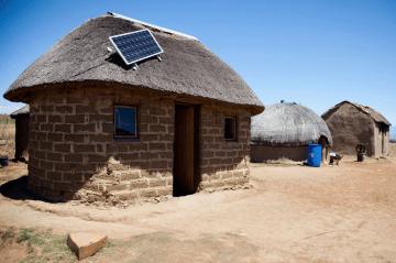 Pese a los avances, unos 600 millones de personas no tienen acceso a la energía en África