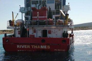 """El buque """"River Thames"""", visto de popa"""