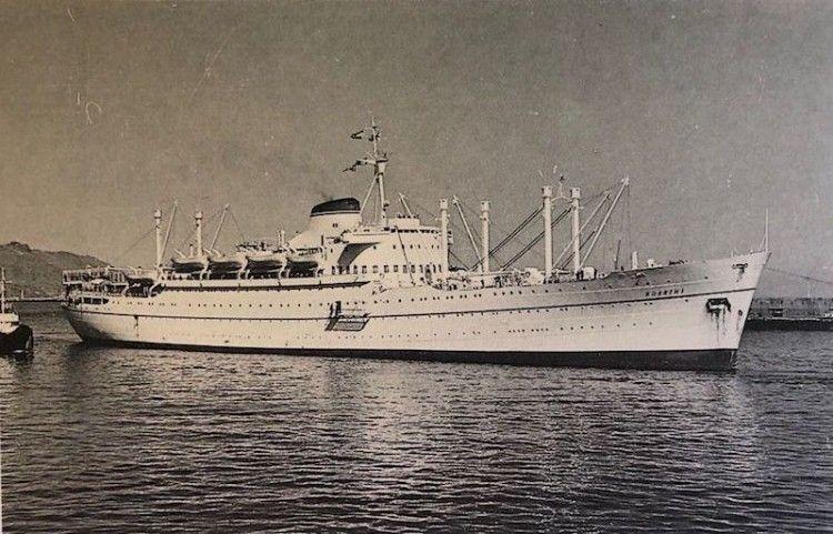 """El trasatlántico """"Rossini"""", en el puerto de Santa Cruz de Tenerife"""